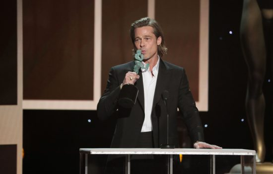 Brad Pitt Wins at SAG Awards – Videos